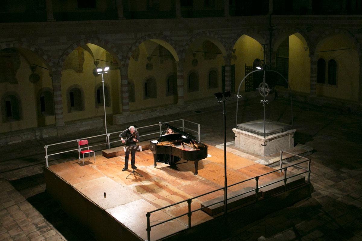 Note d'in…chiostro 2019 – Duo Racioppi Vismara